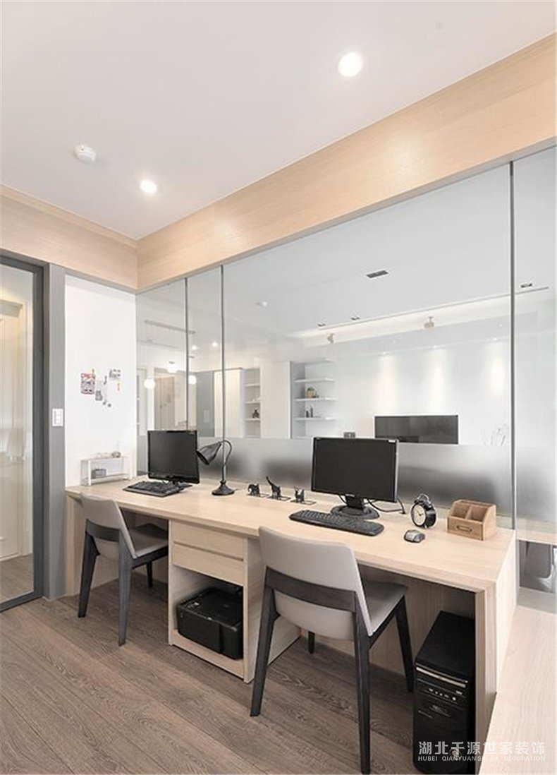 2019年四房装修案例丨纯净的刚刚好!个人空间与共用空间的交融