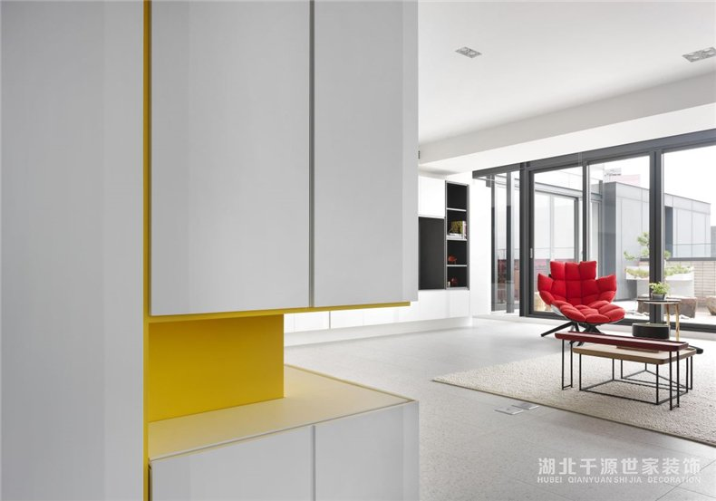 100㎡三房装修案例丨充满现代艺术感的室内设计,新的生活起点