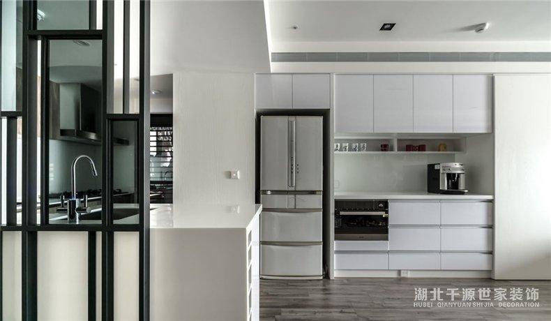 68平小户型设计案例丨从室内到室外都充满生命力的现代小家庭