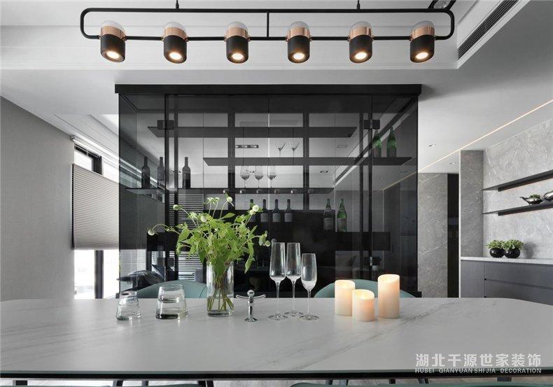 上海平墅装修案例丨时尚有条理的现代风,打造夫妻俩憧憬的生活