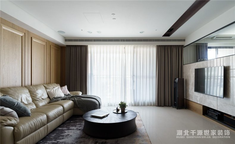 130平方装修方案丨木质感的居家生活,混搭出便捷的双面日常