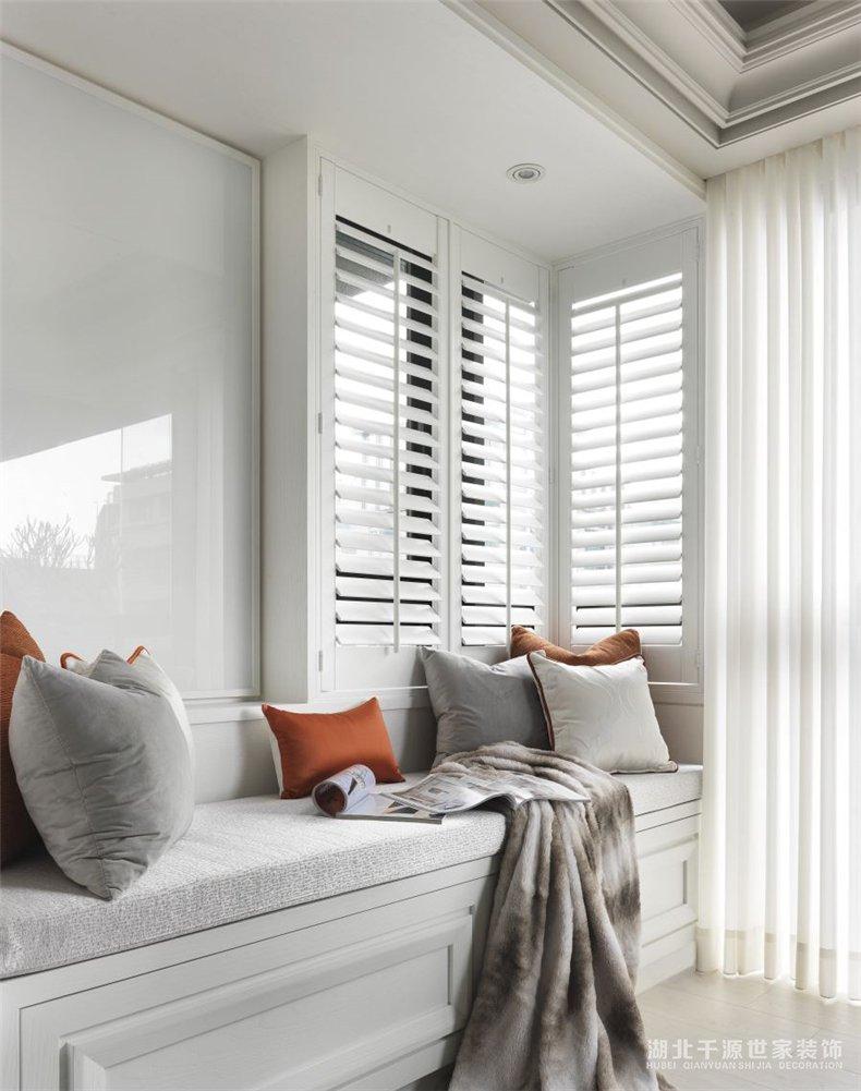 别墅装潢装饰案例丨在新古典风别墅大宅中,打造优雅的轻奢生活